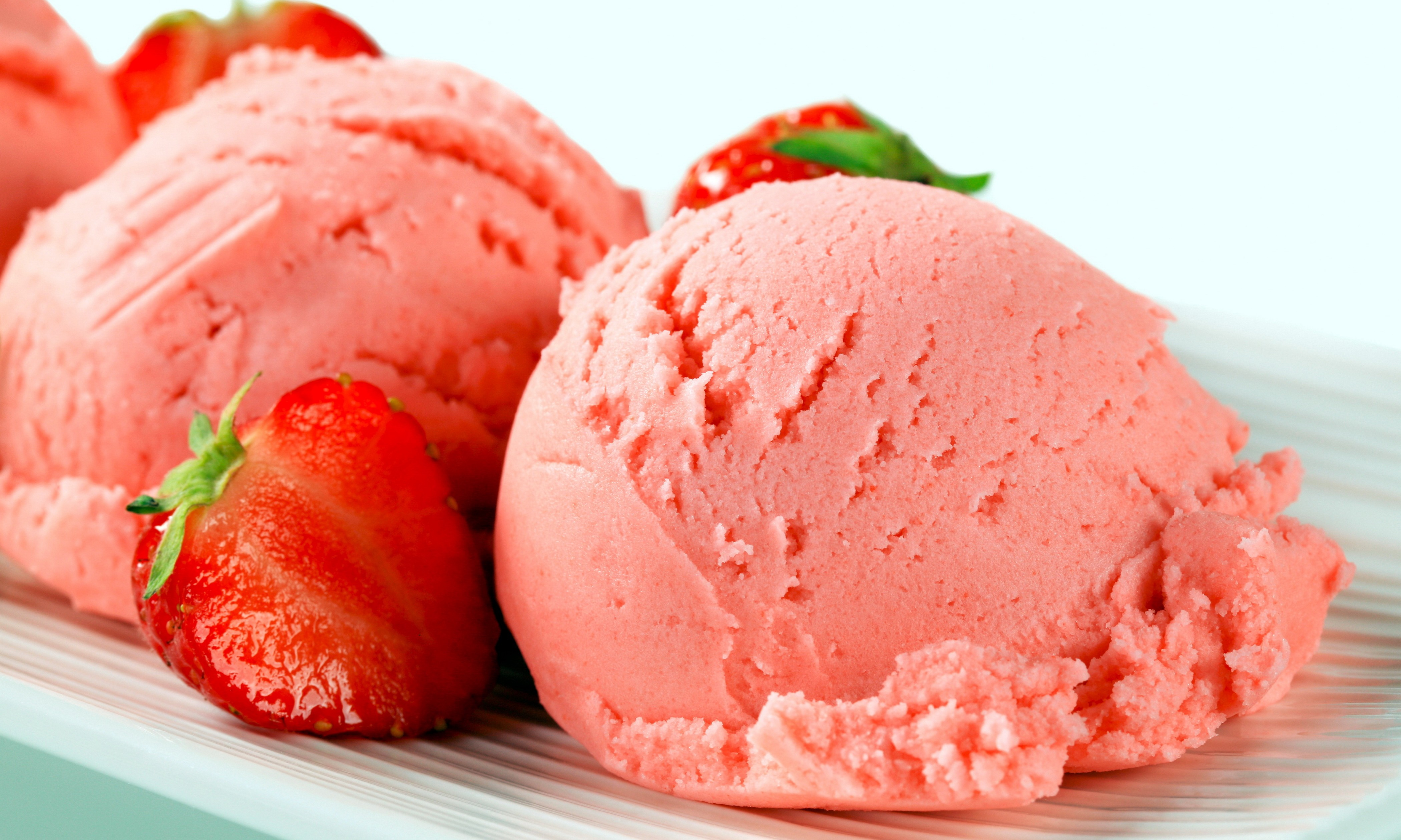 Pareve Strawberry Ice Cream (Kosher for Passover) - OU Kosher Recipes