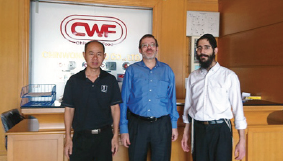 (L-R) MR. SUPAT OPAMURATAWONGSE, QUALITY MANAGER, CHINWONG FOOD CO, LTD. RABBI AHARON BRUN-KESTLER, RABBI MOSHE HADAD