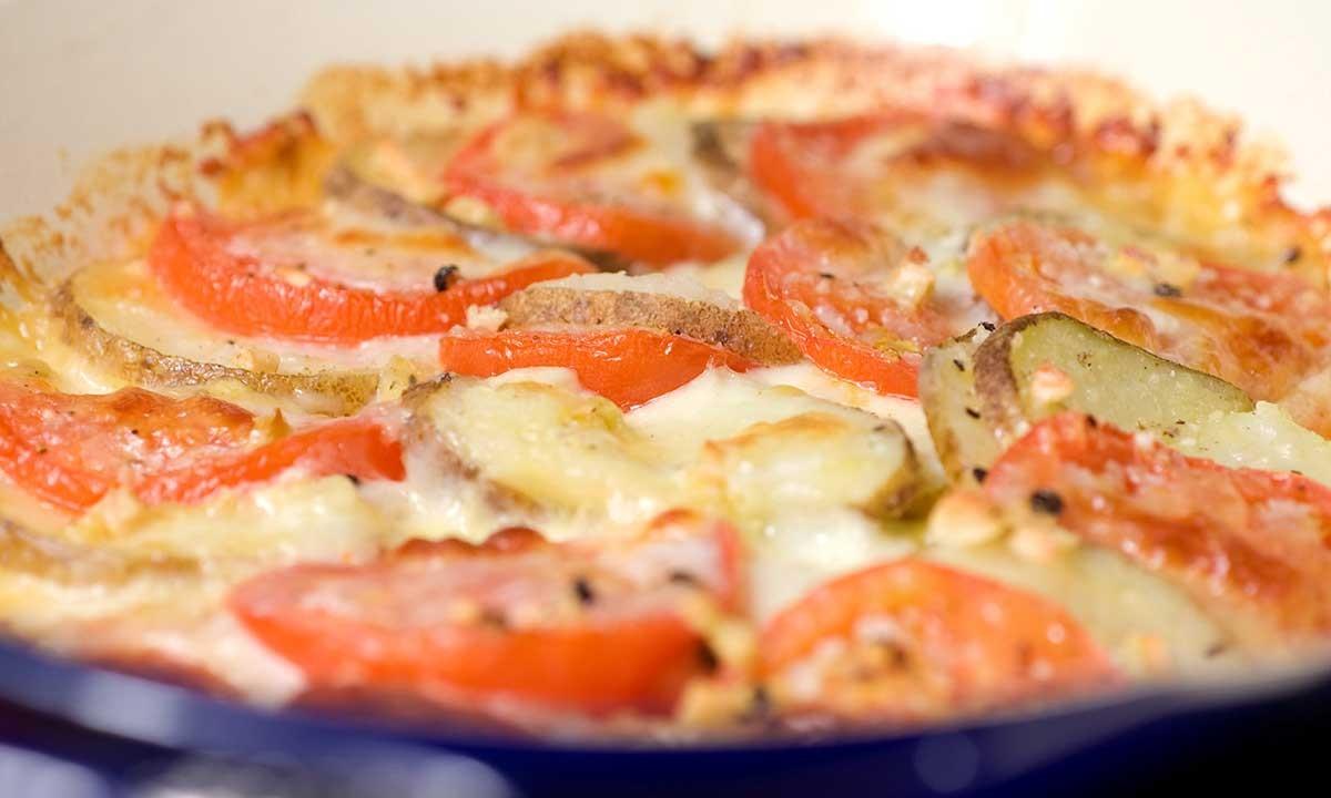 Картошка с сыром и помидорами в духовке рецепт с фото пошагово